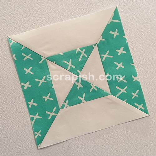 Picture of an double hourglass quilt block.