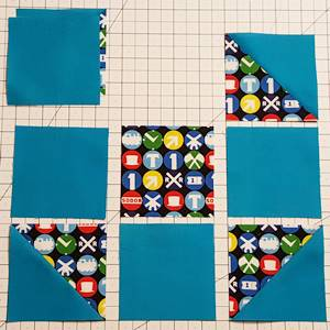 shoo fly quilt block pattern Step 4