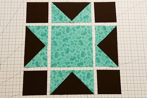 Step 2 Layout star block as shown.